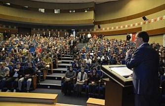 Kamu Başdenetçisi Şeref Malkoç üniversiteli öğrencilerle buluştu