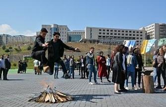 Üniversite öğrencileri Nevruz Bayramını kutladı