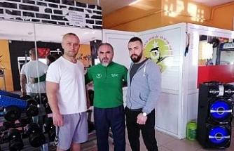 Başpehlivanlar İzmir yolcusu!..