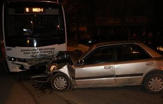Özel Halk Otobüsü ile otomobil çarpıştı!