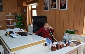 Yenice'de 23 Nisan Başkanı Hazel Bostancı