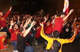 Karabük'te Galatasaraylıların 'şampiyonluk' kutlamaları