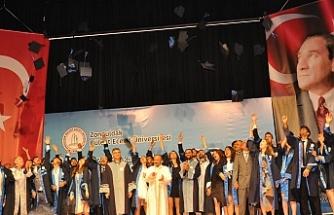 Denizcilik Fakültesi Mezuniyet töreni gerçekleştirildi