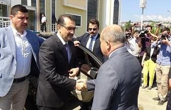 Sel bölgesinde indeleme yapan Enerji ve Tabi Kaynaklar Bakanı Fatih Dönmez: