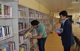 İşkur'la kütüphaneye öğrenci eli