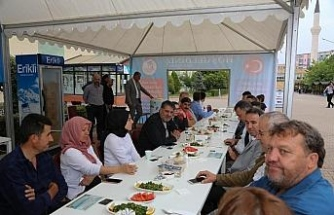 Rektör Polat, KBÜ'nün yeni öğrencileri ve aileleriyle buluştu