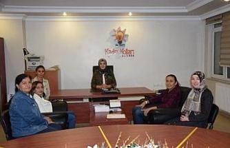 Dünya ikincisi Güneri'den AK Parti Kadın Kollarına ziyaret
