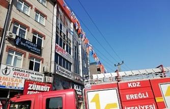 AK Parti İlçe binasında yangın paniği!..