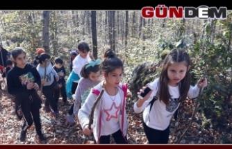 İlkokul öğrencileri ara tatilde doğa yürüyüşü yaptı