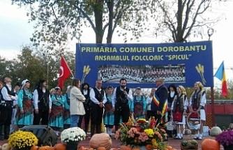 Romanya'da İstiklal Marşını coşku ve gururla söyledi!..