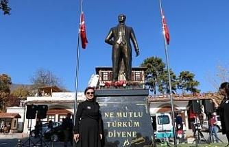 Safranbolu Köyiçi Meydanı'nda Atatürk heykeli açıldı