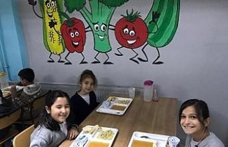 Safranbolu'da taşımalı eğitim öğrencilerinin yemeği öğretmenevinden