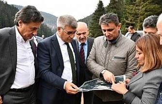 Vali Gürel ve milletvekilleri Eğriova Göleti'nde incelemelerde bulundu