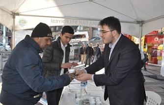 AK gençlik'ten vatandaşlara kahve ikramı!
