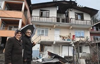 Evleri yanan Damar ailesi yardım eli bekliyor!...