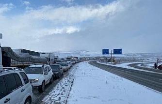 Karabük - Gerede karayolu trafiğe kapandı