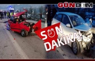 Otomobiller kafa kafaya çarpıştı: 2 ölü, 1 yaralı