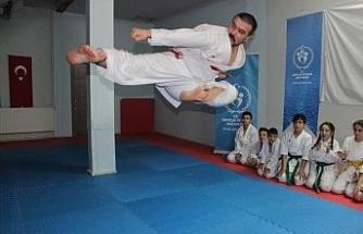 Milli karateci Kıroğlu, Dünya Şampiyonası'na hazırlanıyor
