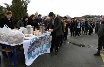 Çaycuma Kent Konseyi kadınları öğrencilerin içini ısıttı