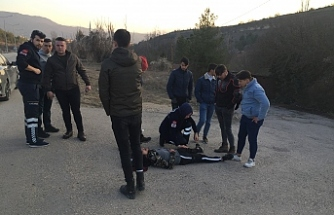 Motosiklet ile takla atan sürücü yaralandı...