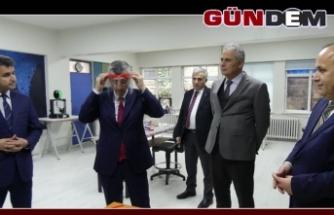 Vali Bektaş BİLSEM'in maske imalatını inceledi