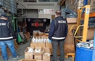 Düzce'de polisten kaçak dezenfektan üretimine baskın yapıldı