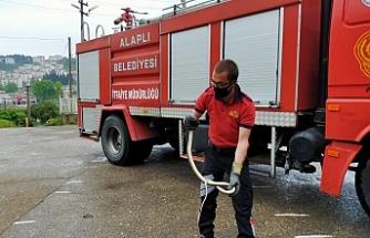 Namaz sırasında 2 metrelik yılan paniği