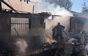 Çocukların ateşle oyunu evi küle çevirdi