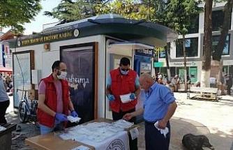 Düzce Belediyesi maske dağıtımını hızlandırdı