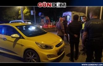 Zonguldak'ta Ticari taksiye çarpıp kaçtılar!