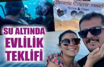 SU ALTINDA EVLENME TEKLİF ETTİ