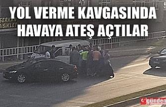 YOL VERME KAVGASINDA SİLAHLA HAVAYA ATEŞ AÇTI