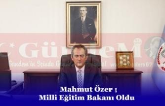 Milli Eğitim Bakanı Ziya Selçuk İstifa Etti