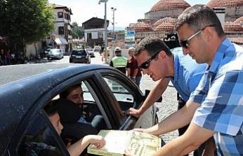 Ürkmezer'den tatilcilere lokumlu karşılama
