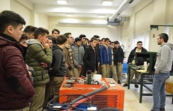 Aday öğrenciler Düzce Üniversitesini gezdi