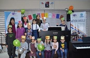 Müzik okulu öğrencileri yerli malı haftasını kutladı