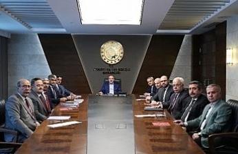Vali Gürel  ve beraberindeki heyet Bakan Varank'ı Karabük'e davet etti