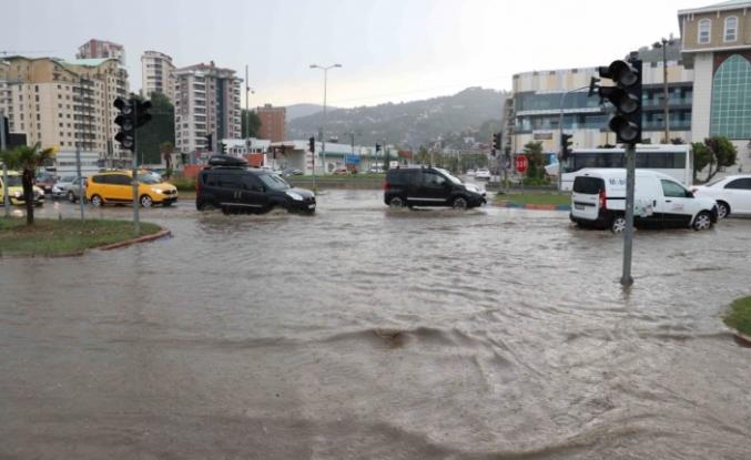 Sağanak Yağış Etkili Oldu!..