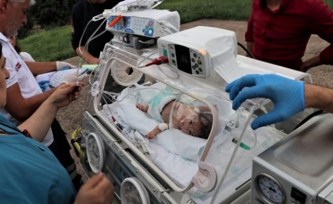 Ambulans helikopter 43 günlük Yılmaz bebek için havalandı