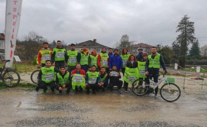 Bisikletle yola çıktılar Sevgi Evlerinde kalan çocukları ziyaret ettiler