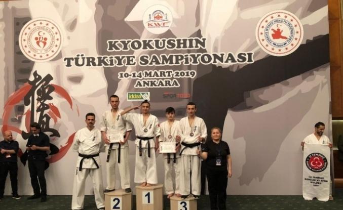 Wushu Kung Fu'da Türkiye şampiyonu oldu