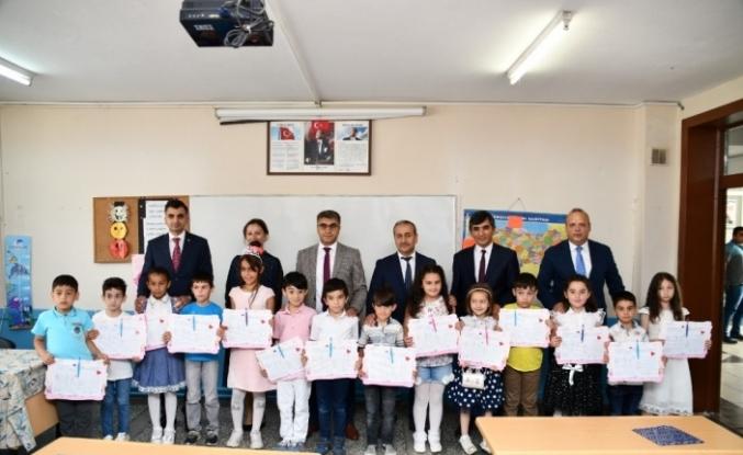 Karabük'te 37 bin 471 öğrenci karne heyecanı yaşadı