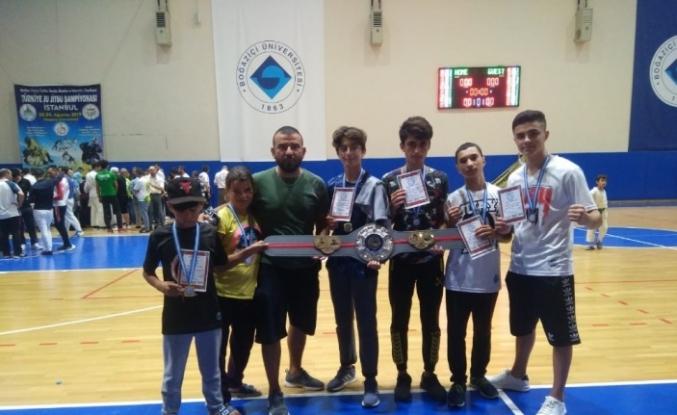 Muay Thai takımı Türkiye Şampiyonasında madalya yağmuru