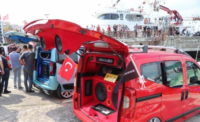 Otomobil tutkunları bu festivalde buluştu