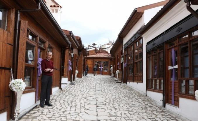 Tarihi dükkanlar restore edildi