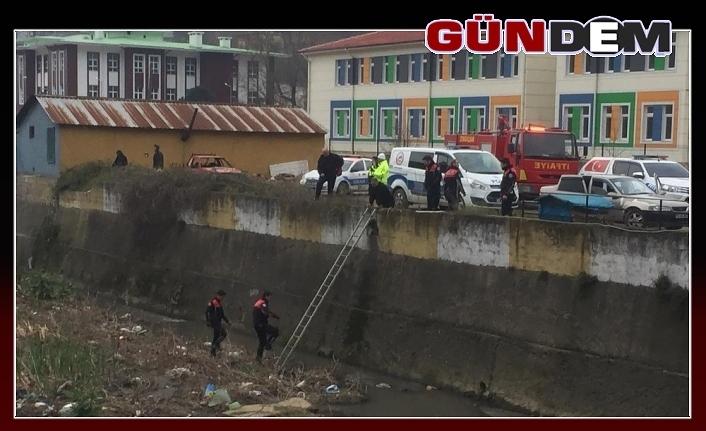 Polisin dur ihtarına uymadılar, kıskıvrak yakalandılar...