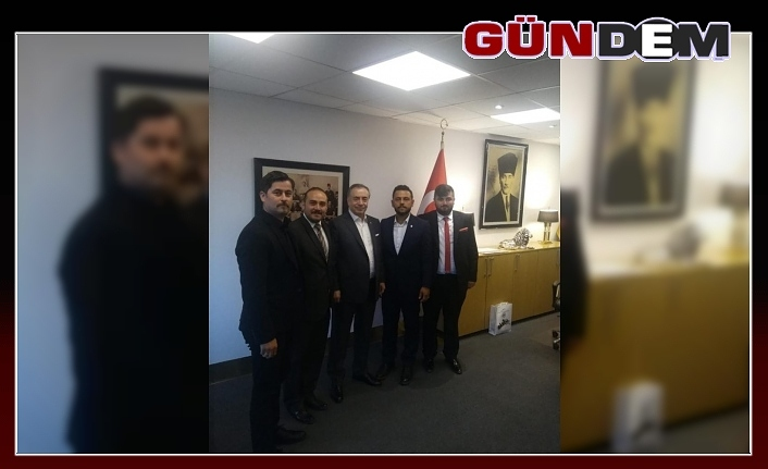 Galatasaraylı taraftarlar Başkan Cengiz'le görüştü...