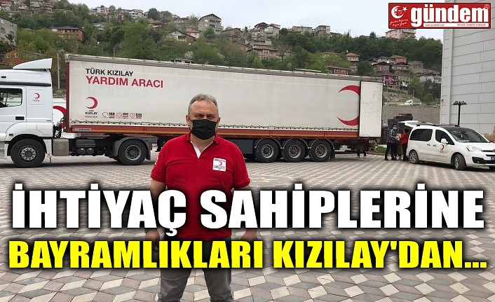İHTİYAÇ SAHİPLERİNE BAYRAMLIKLARI KIZILAY'DAN...